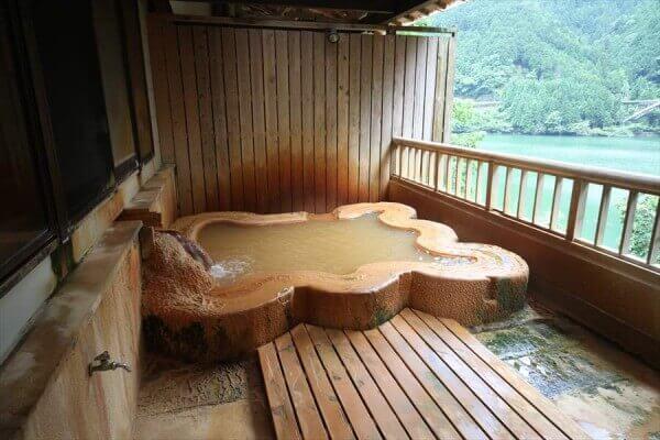 関西随一の奈良の秘湯「入之波温泉 山鳩湯」!