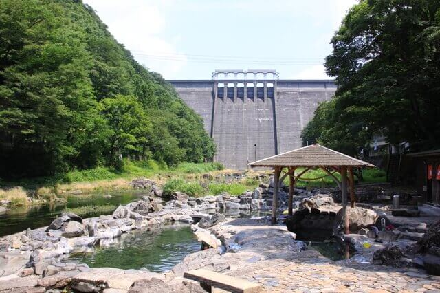 岡山県の湯原温泉「砂湯」