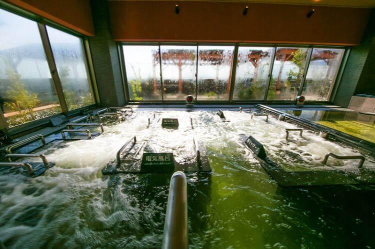 スパ水春の内湯 回遊風呂