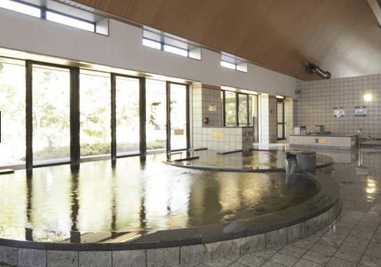 スパスミノエの内湯「温泉浴槽」