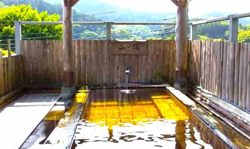 温泉宿「いろりの宿 七里川温泉」源泉かけ流し硫黄泉で日帰り入浴と囲炉裏で食べる焼き物が最高!