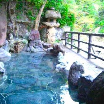 大阪の秘境「摂津峡 花の里温泉 山水館」豊富な含有量の重曹泉とランド含アルカリ単純泉の2つの源泉を日帰り温泉で堪能