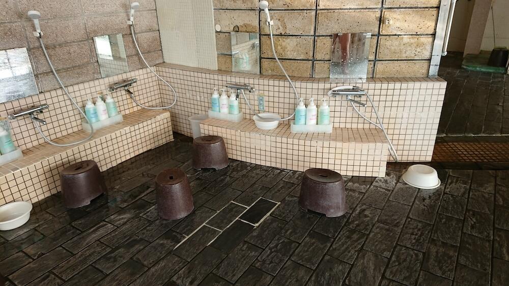 春陽館の「茂吉の湯」の洗い場